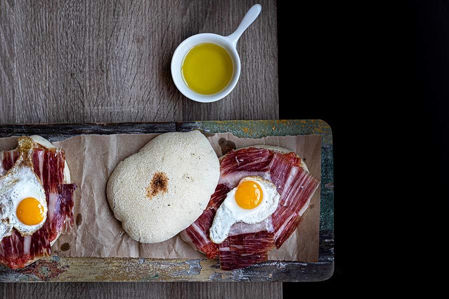 Desayunos-completos-y-nutritivos-con-jamón