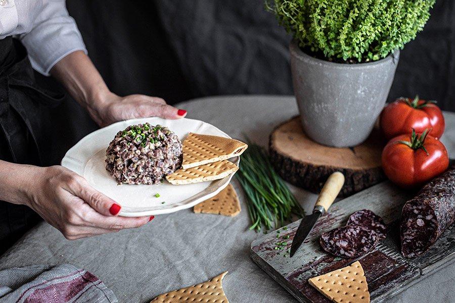 Tartar de salchichón ibérico